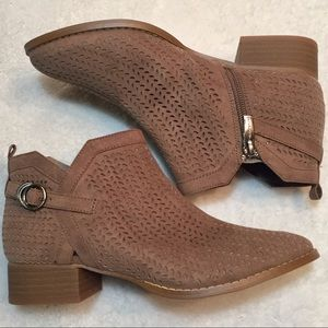 VINCE CAMUTO NWT CAMPINA PERFORATED SUEDE BOOTIE